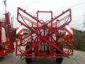 Grana 12 MRX sa svetlosnom signalizacijom na prskalici AGS 1500EN kopira teren i hidraulicki se podize